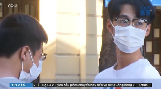 Thí sinh thi THPT Quốc gia xuất hiện 1s trên TV  dù đeo khẩu trang vẫn khiến hội mê trai đắm đuối-1