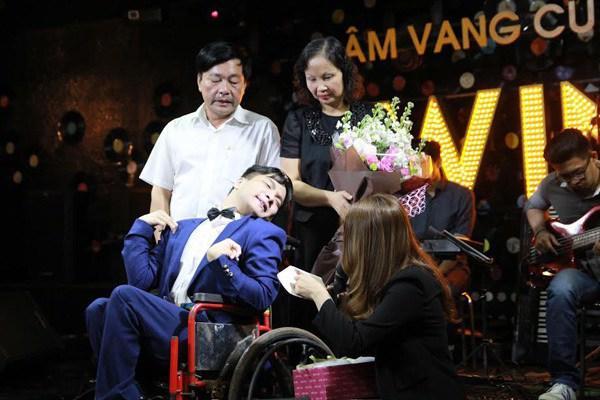 Nhạc sĩ bại não kết hôn với bạn gái ở Cao Bằng, cả hai sắp có con đầu lòng-4