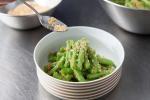 Khỏi đau đầu nghĩ ăn gì cho giảm cân, làm ngay món salad này chỉ mất 10 phút