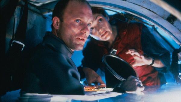 Nỗi sợ khi diễn viên quay cảnh phim dưới nước-4