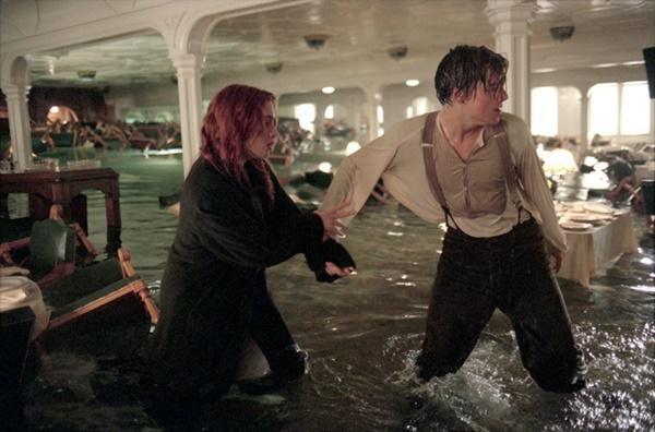 Nỗi sợ khi diễn viên quay cảnh phim dưới nước-5