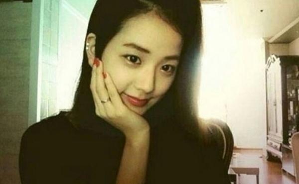 Tính cách thật ẩn trong vẻ lạnh lùng của Jin BTS, IU qua lời kể đồng nghiệp-4