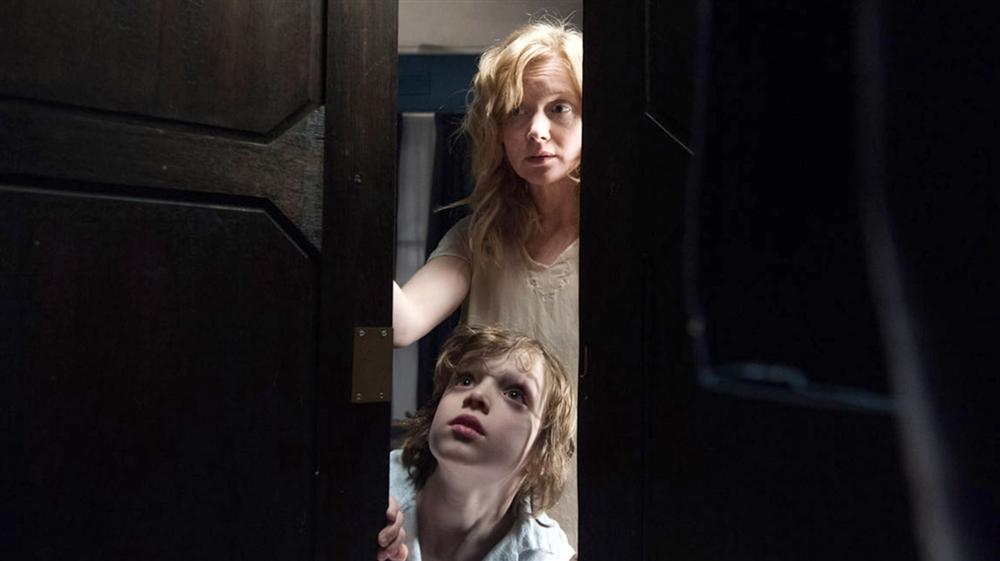 Những bà mẹ đơn thân mạnh mẽ nhất làng phim kinh dị-3