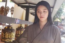 Hoa hậu Jolie Nguyễn khóa Facebook sau ồn ào chấn động showbiz