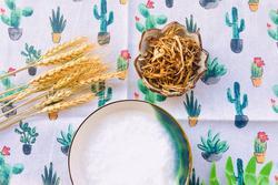 Từ khi biết làm chà bông nấm, nhà tôi lúc nào cũng có một hũ vì ăn vừa tiện lại vừa tốt cho sức khỏe