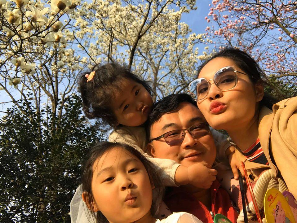 Lấy chồng 10 năm nhưng hoa hậu Hương Giang chưa một lần xem ảnh cưới hỏi-6