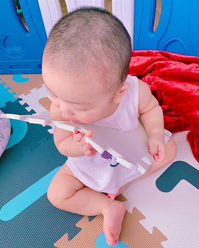 Nỗi lòng mẹ bỉm sữa Lan Khuê khi quý tử sắp tròn 1 tuổi-2