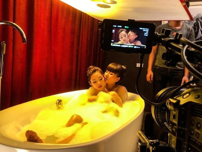Cảnh nóng phim Việt: Diễn cảnh yêu trước mặt chồng, được đạo diễn thị phạm nhiệt tình-1