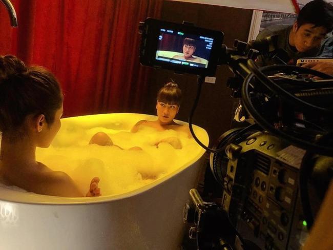 Cảnh nóng phim Việt: Diễn cảnh yêu trước mặt chồng, được đạo diễn thị phạm nhiệt tình-3
