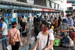 Du khách Đà Nẵng về nhà sau những ngày mắc kẹt: 'Hết dịch, tôi sẽ quay lại'