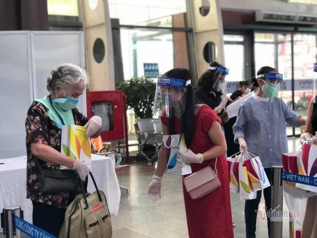 Du khách Đà Nẵng về nhà sau những ngày mắc kẹt: Hết dịch, tôi sẽ quay lại-13