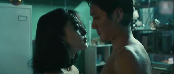 Bộ phim 18+ khiến Triệu Lệ Dĩnh phát ghen: Phạm Băng Băng khỏa thân lao vào ôm, Phùng Thiệu Phong mất ngủ vì cảnh nóng-10