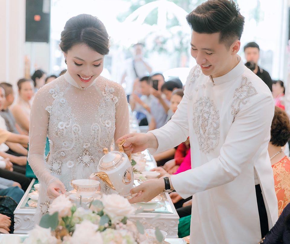 HOT: Nữ giảng viên nổi tiếng Hà Nội bắt gian chồng và nhân tình tại trận-3