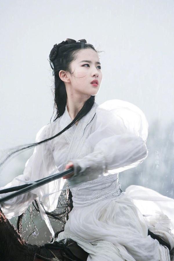 Chỉ với 4 bộ phim Lưu Diệc Phi đã tạo được địa vị mà đến giờ Dương Mịch và Triệu Lệ Dĩnh vẫn chưa đuổi kịp-4