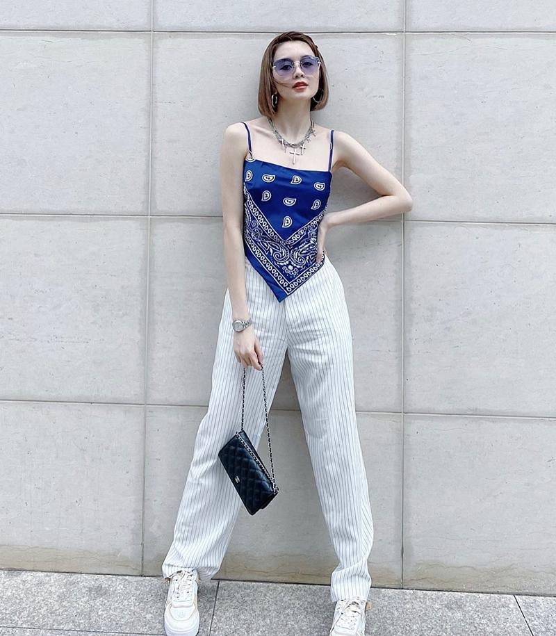 Ngọc Trinh - Mai Phương Thúy khoe outfit xẻ đùi sexy chiếm spotlight đường phố-13
