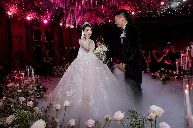 Trước khi bị phụ bạc, Âu Hà My từng hóa công chúa trong đám cưới với 3 bộ váy đính kim cương giá 1 tỉ đồng-6