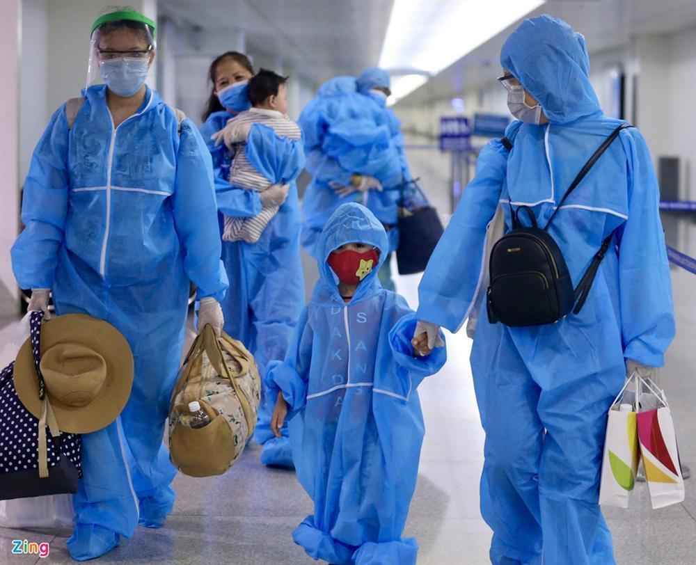300 hành khách mắc kẹt tại Đà Nẵng về TP.HCM-2