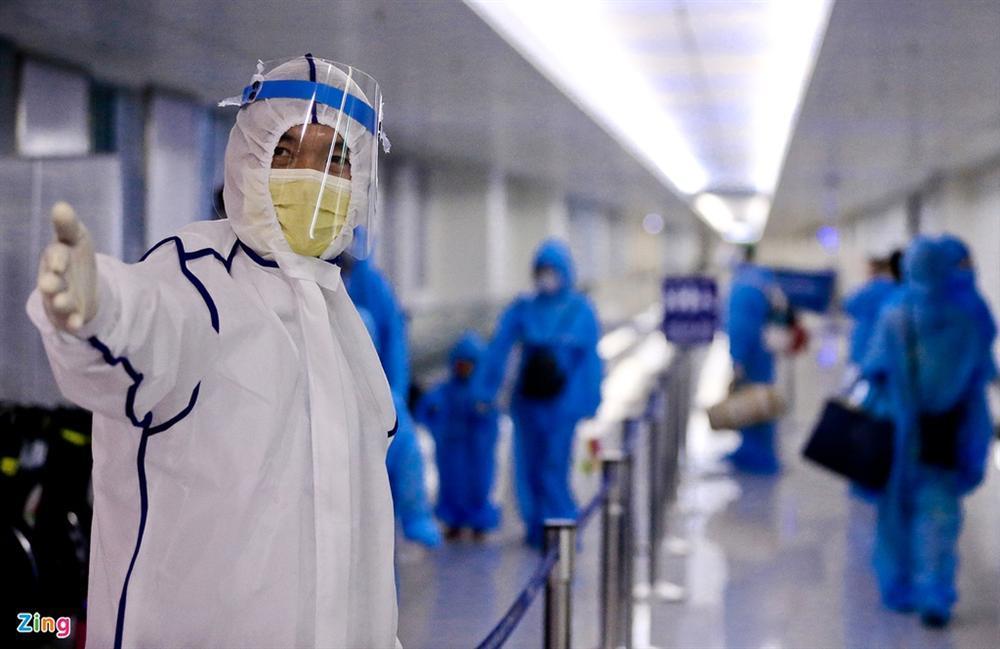300 hành khách mắc kẹt tại Đà Nẵng về TP.HCM-3