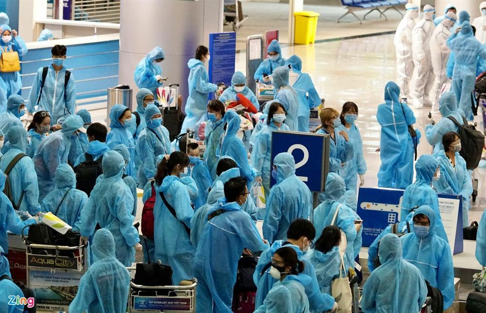 300 hành khách mắc kẹt tại Đà Nẵng về TP.HCM-4
