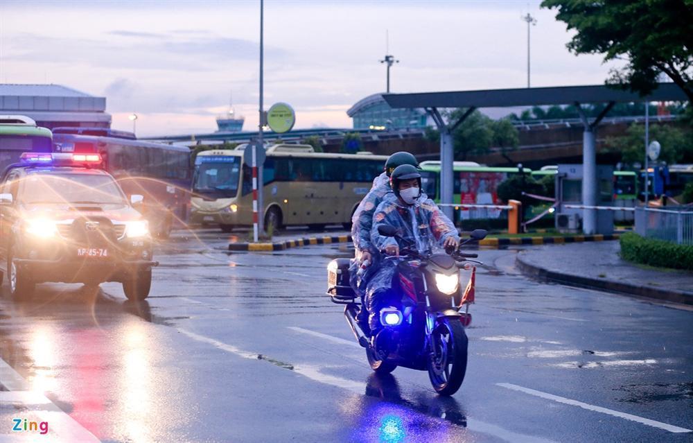 300 hành khách mắc kẹt tại Đà Nẵng về TP.HCM-7