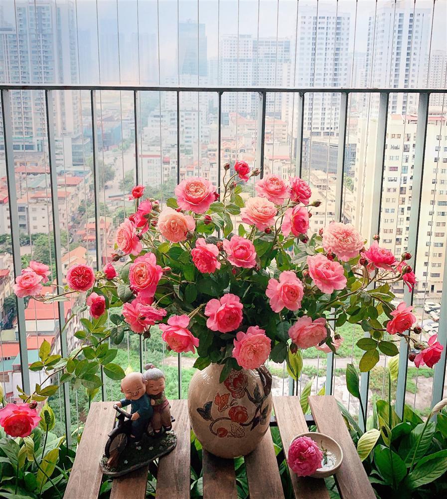 Cô giáo yoga coi cắm hoa như hành thiền, chỉ cách cắm bình hồng ngoại, bông nào cũng đẹp bung lụa-8