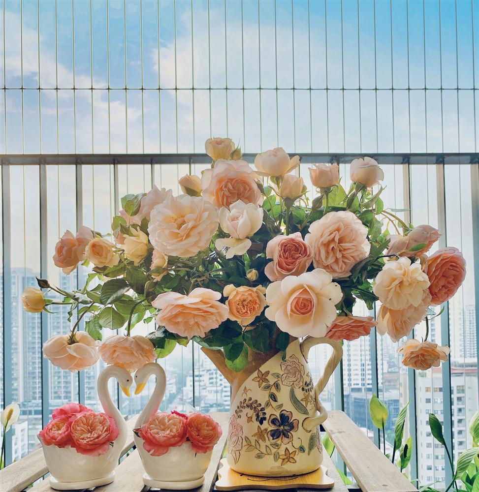 Cô giáo yoga coi cắm hoa như hành thiền, chỉ cách cắm bình hồng ngoại, bông nào cũng đẹp bung lụa-12