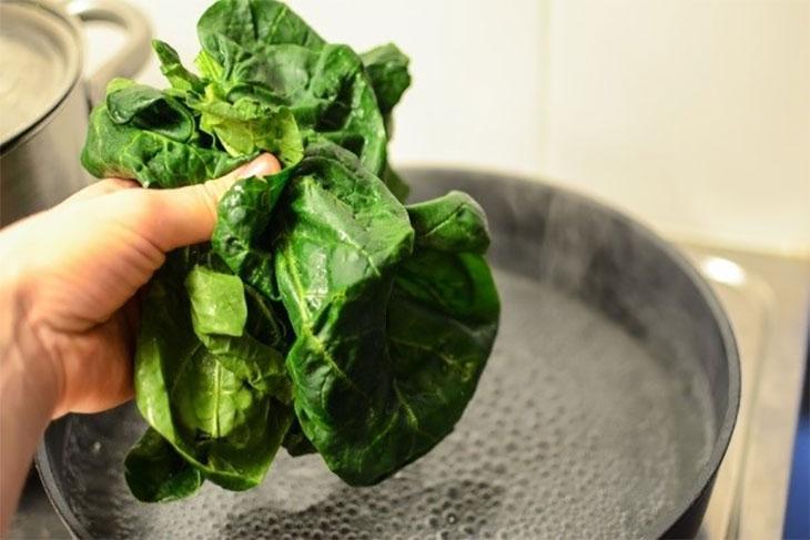 Rửa rau củ tưởng dễ ợt nhưng nhiều người vẫn làm sai khiến rau không sạch lại đầy vi khuẩn-3