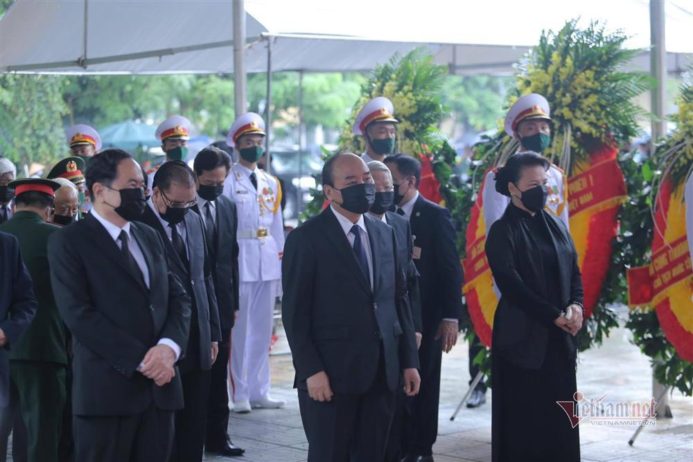 Thủ tướng, Chủ tịch QH viếng nguyên Tổng Bí thư Lê Khả Phiêu-3