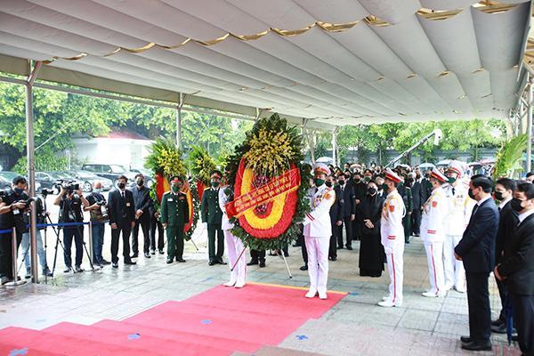 Thủ tướng, Chủ tịch QH viếng nguyên Tổng Bí thư Lê Khả Phiêu-1