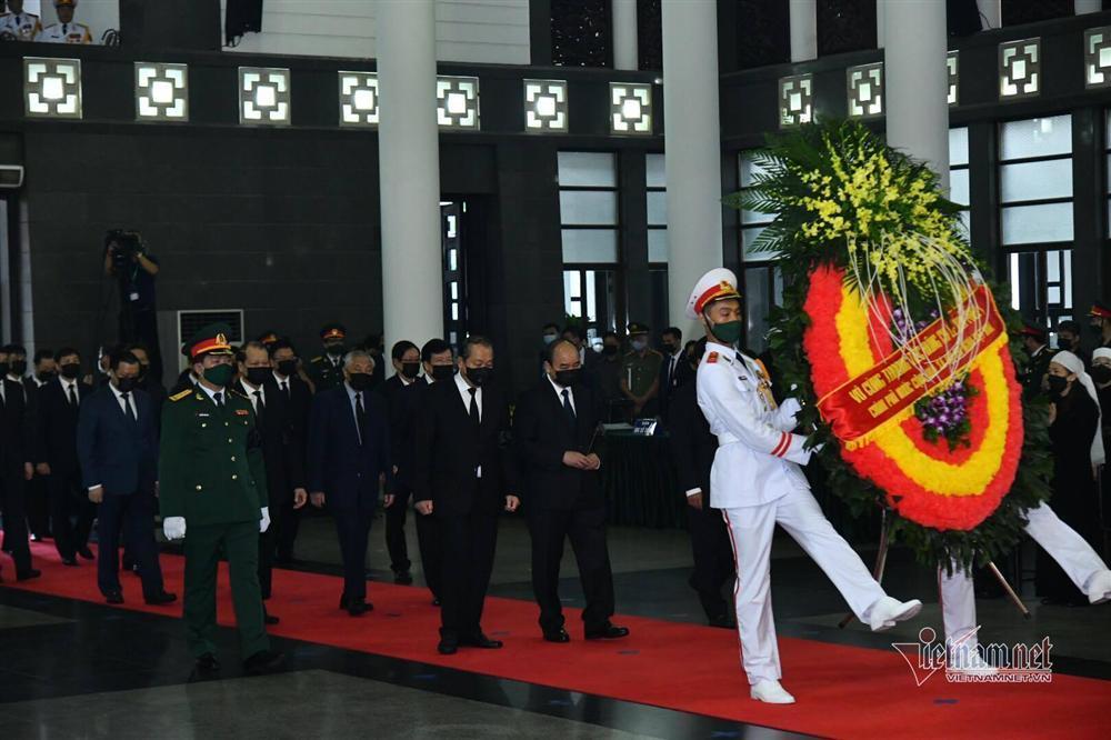 Thủ tướng, Chủ tịch QH viếng nguyên Tổng Bí thư Lê Khả Phiêu-4