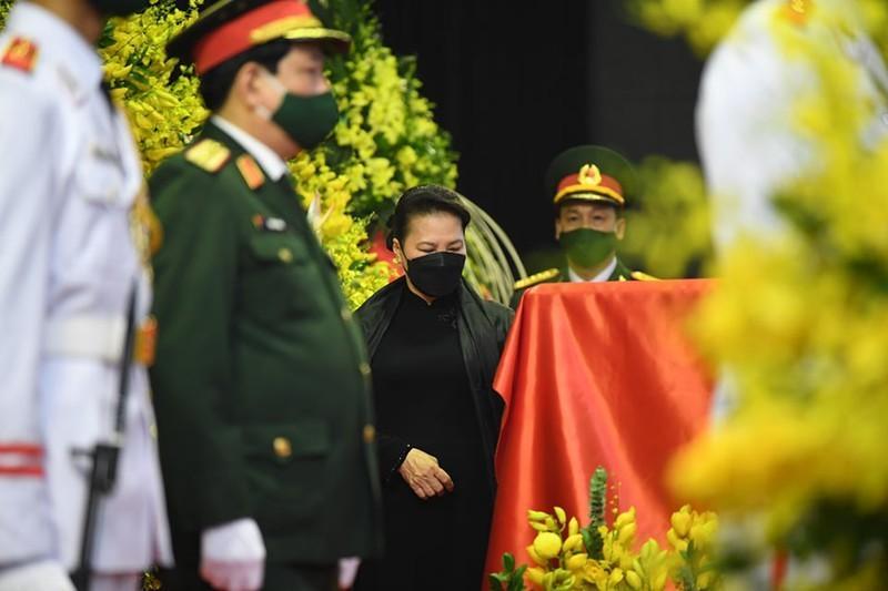 Thủ tướng, Chủ tịch QH viếng nguyên Tổng Bí thư Lê Khả Phiêu-7