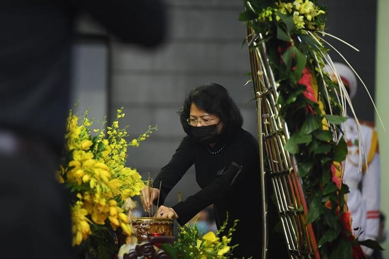 Thủ tướng, Chủ tịch QH viếng nguyên Tổng Bí thư Lê Khả Phiêu-10