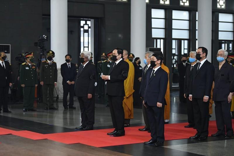 Thủ tướng, Chủ tịch QH viếng nguyên Tổng Bí thư Lê Khả Phiêu-11