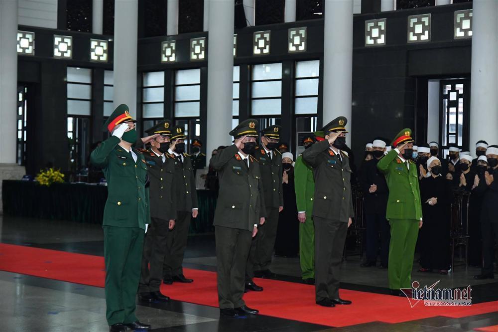 Thủ tướng, Chủ tịch QH viếng nguyên Tổng Bí thư Lê Khả Phiêu-13