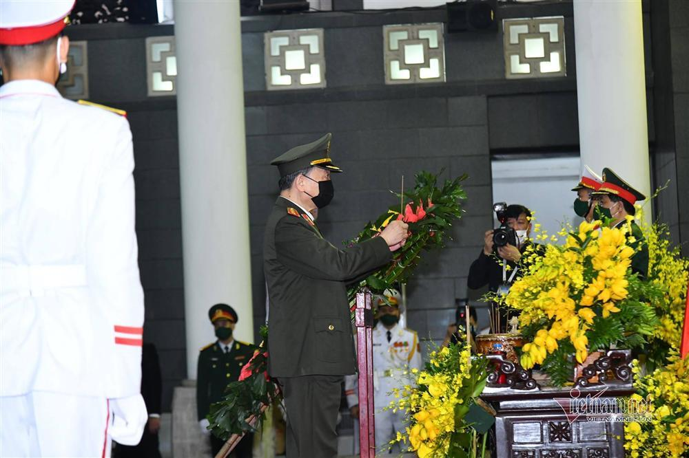 Thủ tướng, Chủ tịch QH viếng nguyên Tổng Bí thư Lê Khả Phiêu-14