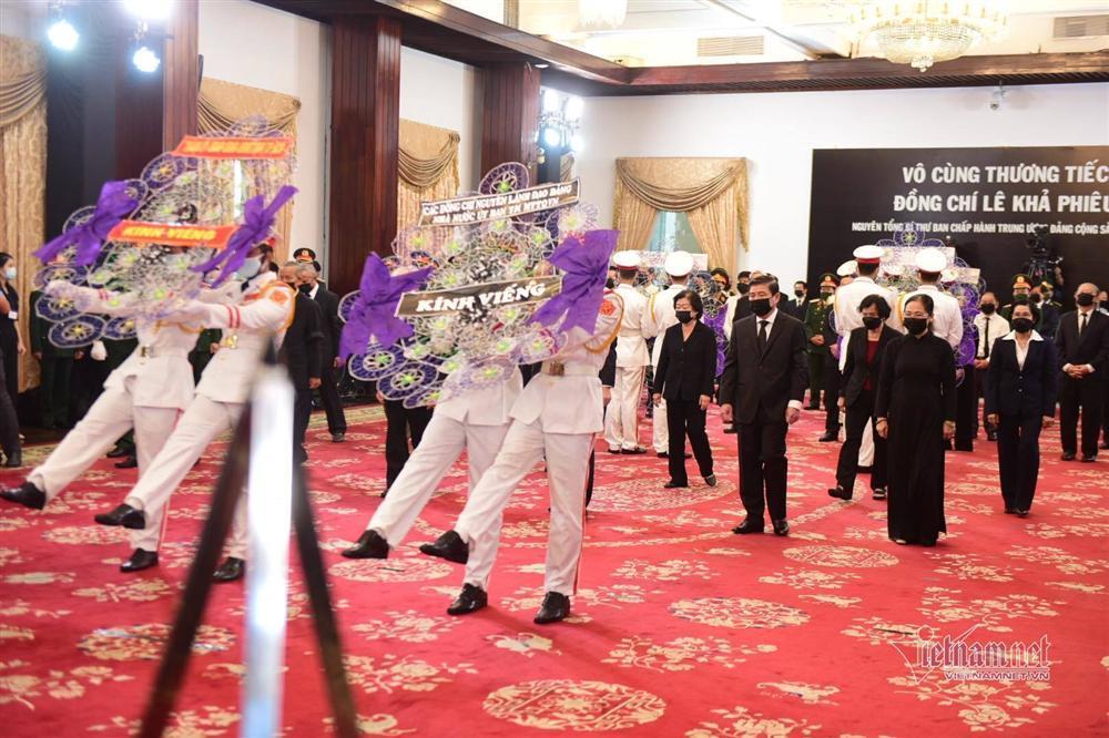 Thủ tướng, Chủ tịch QH viếng nguyên Tổng Bí thư Lê Khả Phiêu-17