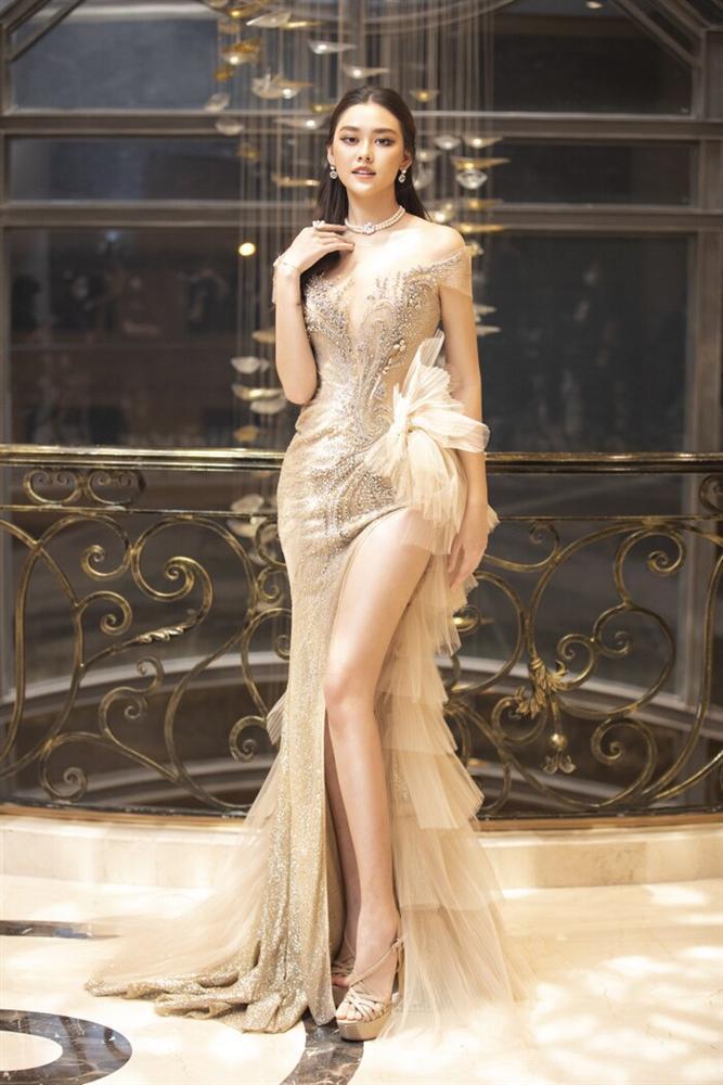 Váy cưới đấu giá nửa tỷ của Lương Thùy Linh HOT nhất làng mẫu tuần qua-7