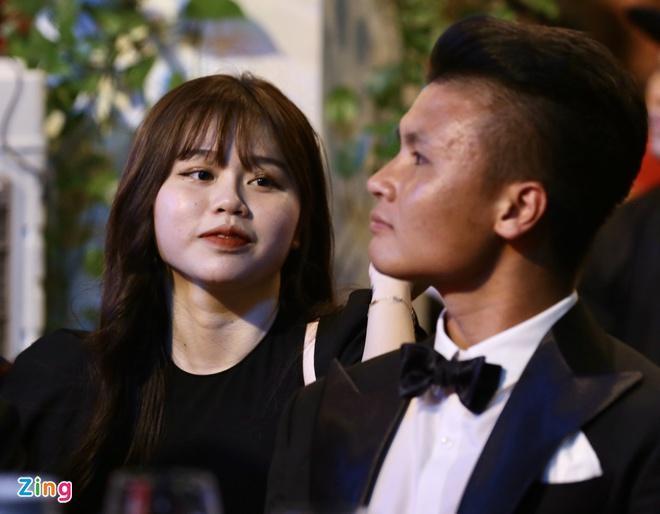 Bạn gái Quang Hải bị bóc phốt xuất thân phức tạp, du học sinh Singapore chỉ là cái mác-1