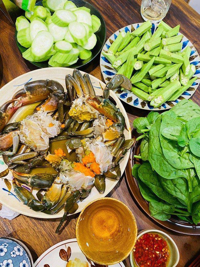 Được người tình chân dài làm món tủ, Kỳ Duyên nức nở khen ngon nhất Sài Gòn-4