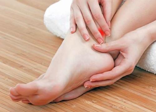 Muốn biết tuổi thọ hãy nhìn xuống chân: 2 dấu hiệu chứng tỏ bạn tuổi thọ kém, nhiều bệnh tật-4