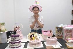 Song Ji Hyo để mặt mộc vẫn đẹp xuất sắc trong tiệc sinh nhật tuổi 39