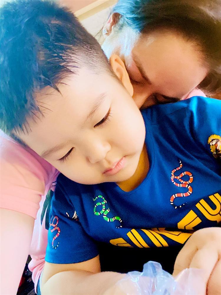 Nhật Kim Anh gặp con sau nhiều lần tố chồng cũ cắt đứt tình mẫu tử-2