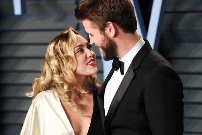 Miley Cyrus - ca sĩ có sở thích yêu ngắn ngủi, tình trường phức tạp-8
