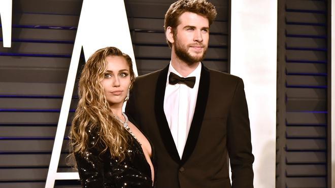 Miley Cyrus - ca sĩ có sở thích yêu ngắn ngủi, tình trường phức tạp-9