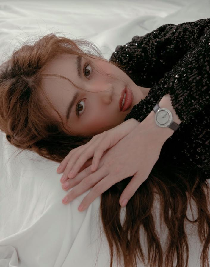 Đang hè lại mặc đồ đông, Ngọc Trinh bị phát hiện sao chép phong cách của Song Hye Kyo-8