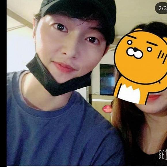 Song Joong Ki xuất hiện với gái lạ sau khi anh trai ám chỉ nam diễn viên ly hôn vì vấn đề con cái-3