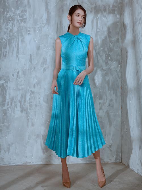 Váy cưới đấu giá nửa tỷ của Lương Thùy Linh HOT nhất làng mẫu tuần qua-8