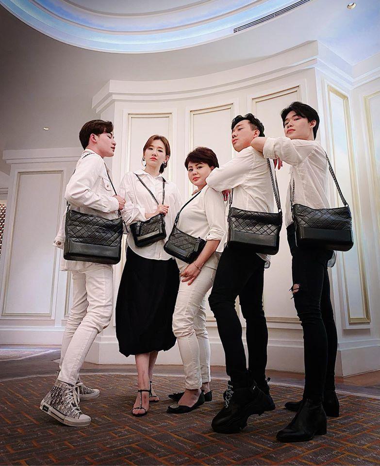 Trúc Nhân bị nhắc khéo mua túi Chanel đồng phục với hội bạn thân Trấn Thành-2