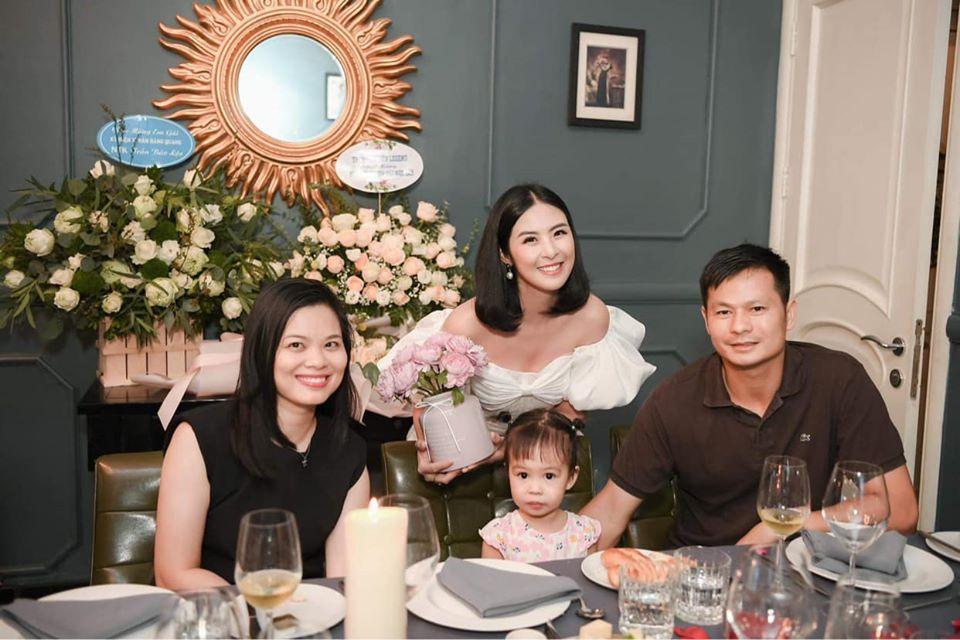 Gia đình chồng sắp cưới dành lời có cánh cho hoa hậu Ngọc Hân-6