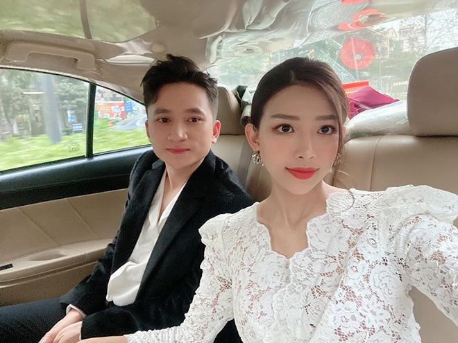 Bạn gái hotgirl sung sướng khi được Phan Mạnh Quỳnh tặng xe hơi bạc tỷ-3